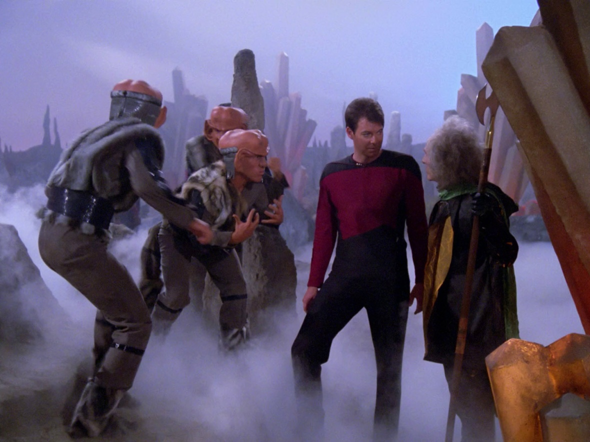 Riker asks the Tkon how to turn off the smoke machine
